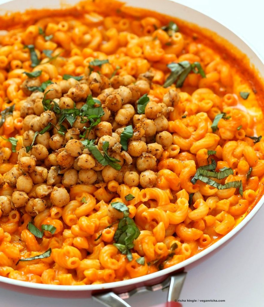 Roasted Red Pepper Mac with Thyme Black Pepper Chickpeas