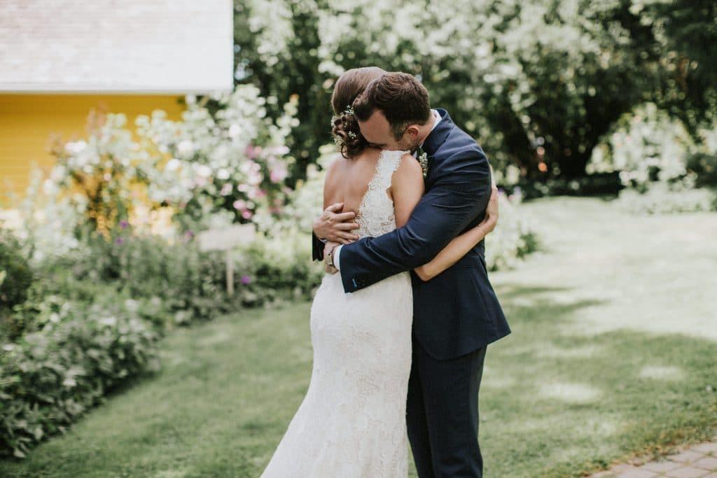 First look at Mt. Hood Organic Farms wedding